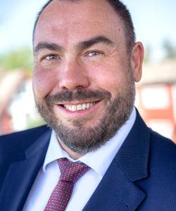 Mario Bartilla - Managing Partner (Beirat, Aufsichtsrat) Geschäftsführer der FOURTEENONE Management GmbH langjährig erfahrener und erfolgreicher Unternehmer, Berater und Investor international anerkannter Experte in der Personaldienstleistungsbranche