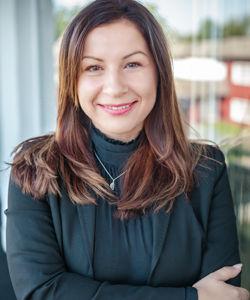 Sandra Posselt - Managing Partner (CEO) Geschäftsführer der FOURTEENONE Management GmbH und der FOURTEENONE White GmbH langjährige Branchenerfahrung in leitender Funktion Spezialist auf dem Gebiet von Full-Service-Lösungen